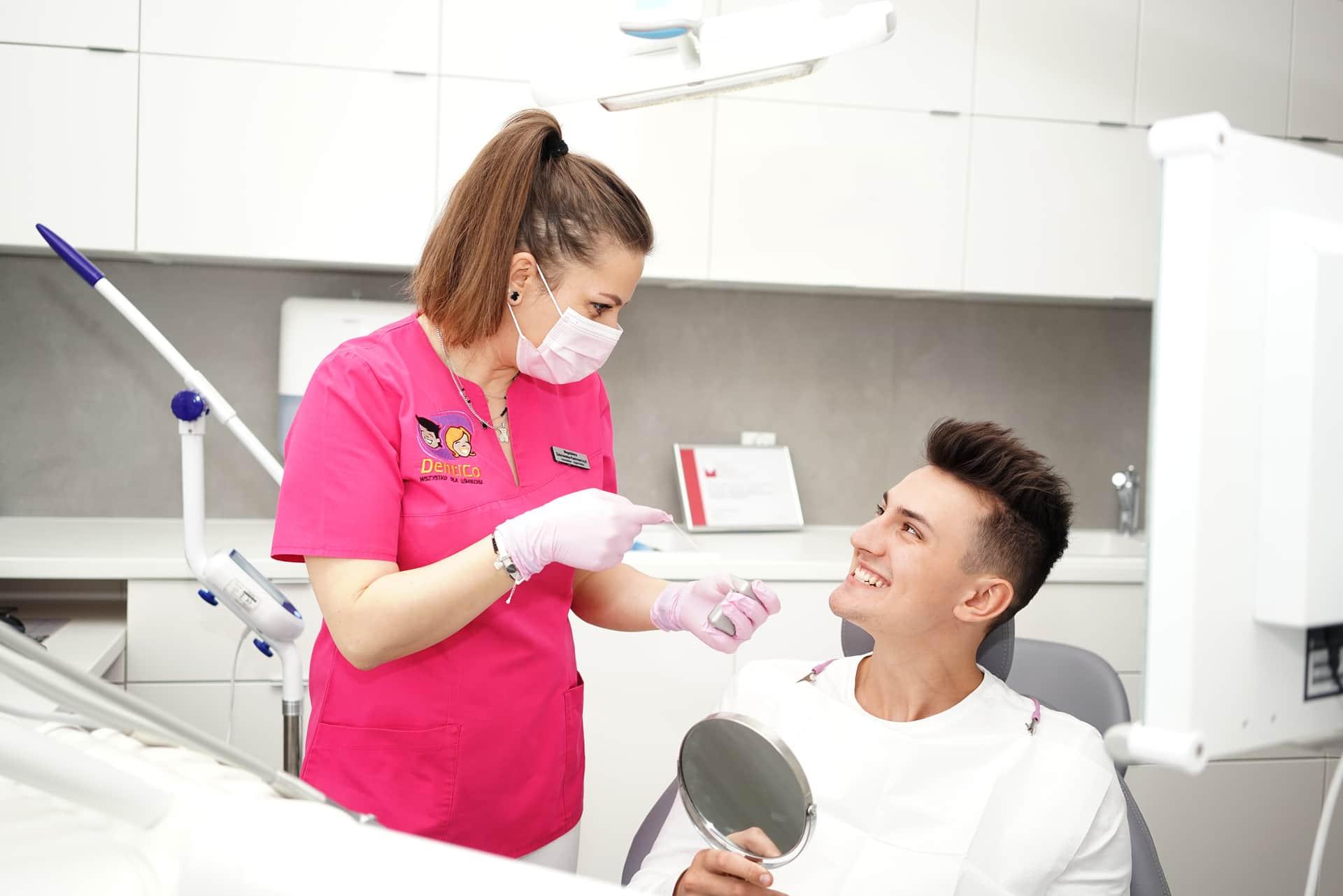 Usuwanie przebarwień na zębach innowacyjną metodą ICON Higienizacja Dentico Gdańsk gotdsc01461 6