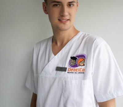 Poznaj zespół DentiCo Jakub Zakrzewski pomoc dent