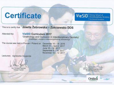 <span>lek. stom. Jowita Żebrowska-Zakrzewska</span><br/><small>właściciel</small> Jowita Żebrowska Zakrzewska certyfikaty 16