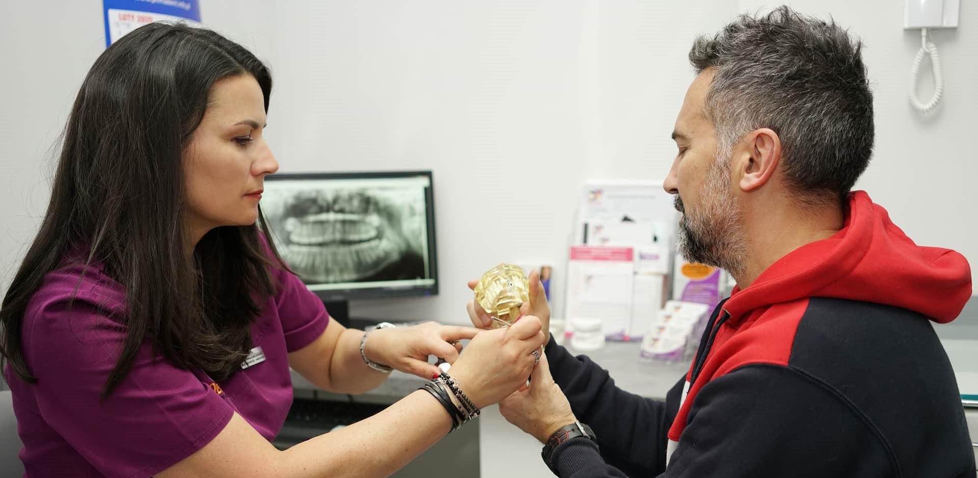 Pierwsza wizyta Konsultacja dentysta Dentico slide3